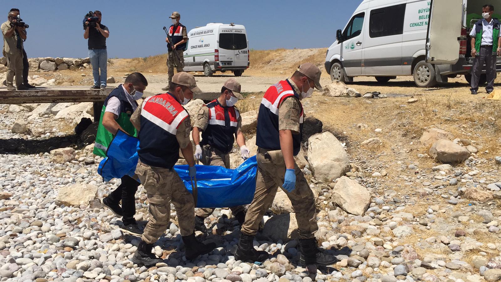 Van Gölü'ndeki tekne faciasında ulaşılan ceset sayısı 56'ya çıktı
