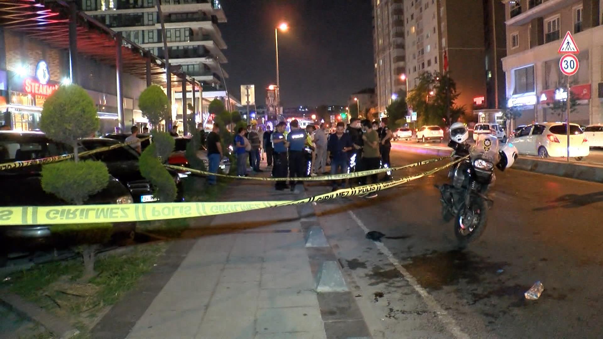 Zeytinburnu'nda silahlı saldırı: 2 yaralı