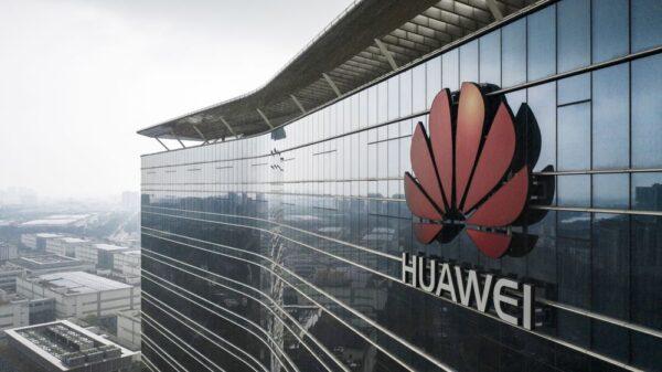 FCC Huawei ve ZTE'yi kara listeye aldı