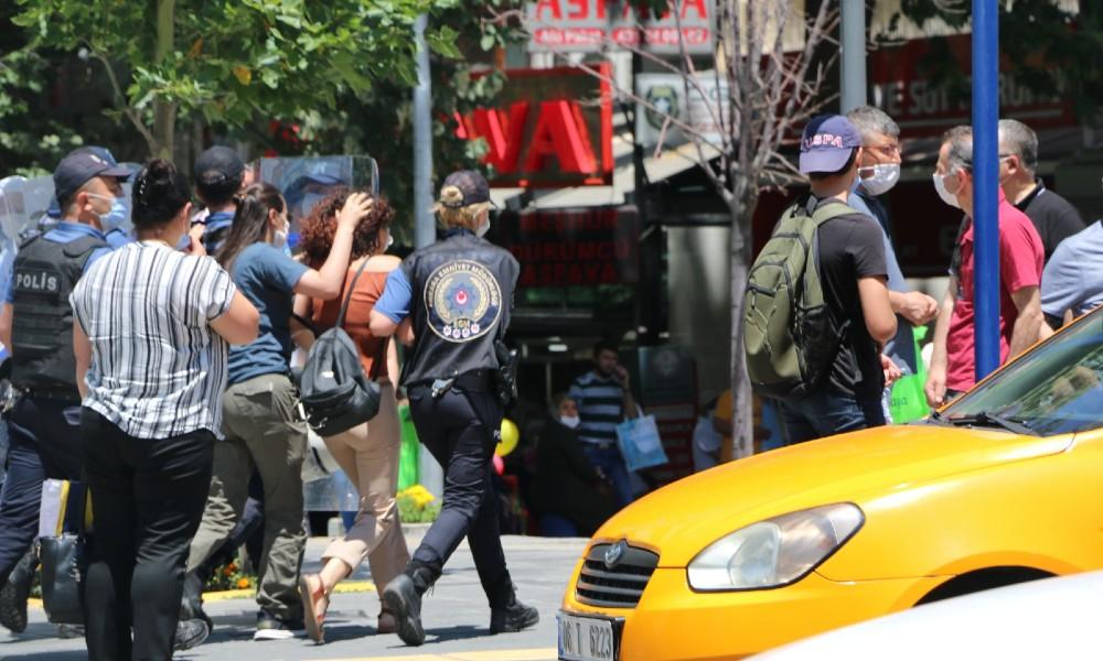 Sivas Katliamı anmasına polis müdahalesi: 7 gözaltı!