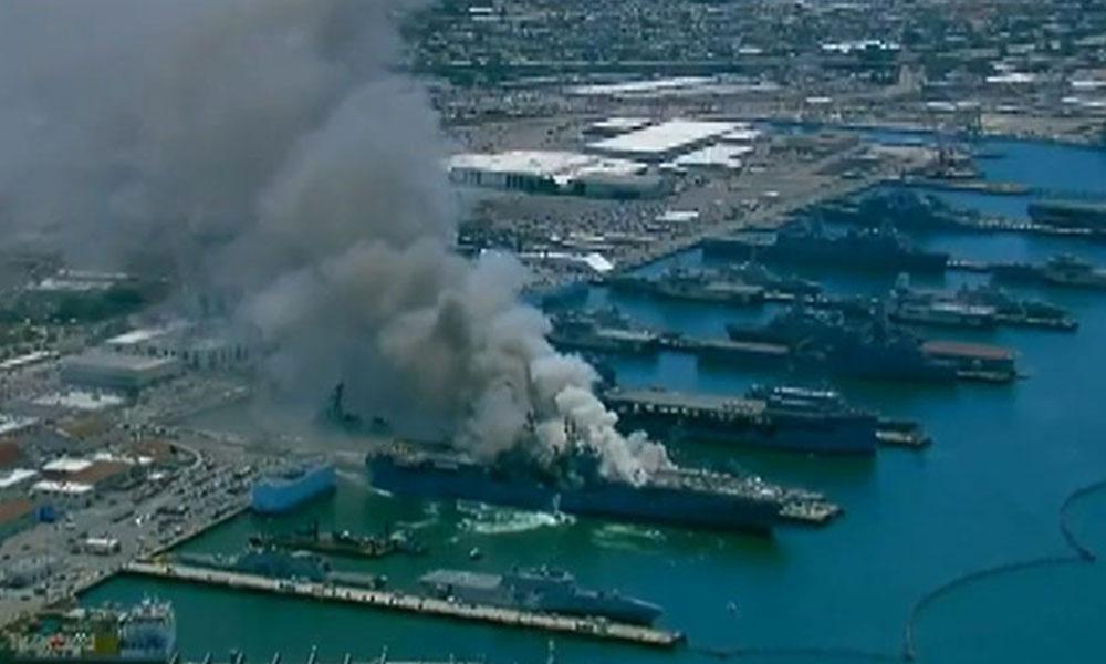 ABD'nin San Diego şehrinde askeri gemide yangın