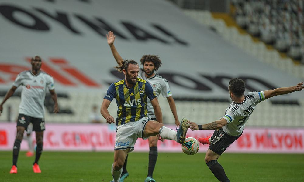 Sezonun son derbisinde gülen Beşiktaş oldu! Fenerbahçe'ye Avrupa yolu kapandı