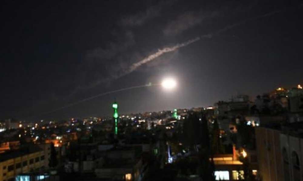 İsrail'den Suriye'ye saldırı! Hava savunma sistemi devreye girdi