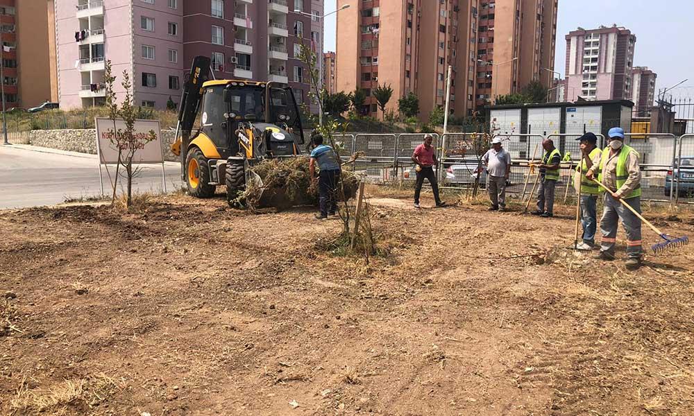 Büyükşehir, kent genelinde temizlik çalışmalarını sürdürüyor
