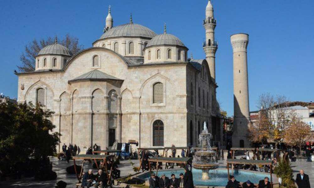 AKP'li belediye vatandaşın yaptırdığı camiyi verecek, villa arsası alacak
