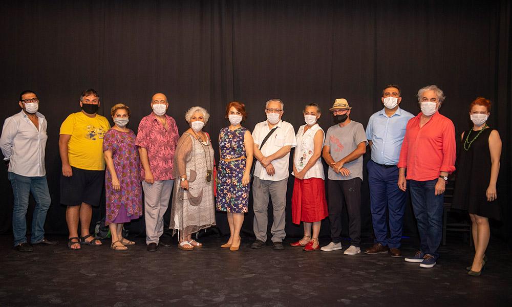 Mersin Büyükşehir'den tiyatro için örnek tavır