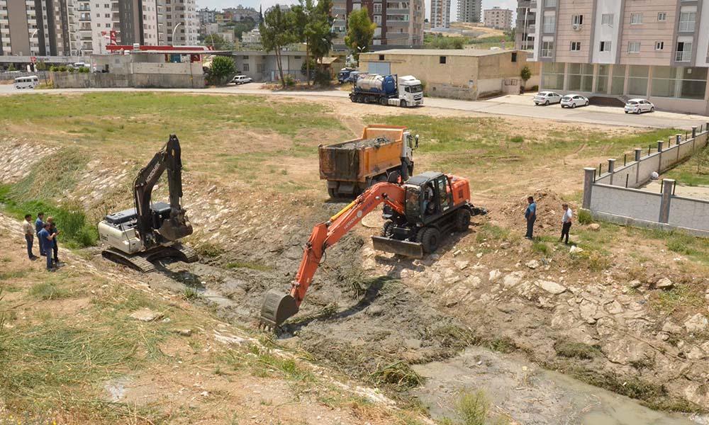 Büyükşehir'den Tarsus'ta dere ıslah çalışması