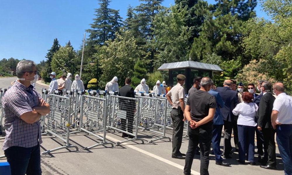 Ayasofya'nın açıldığı saatlerde Anıtkabir kapandı!