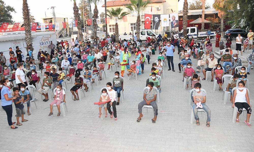 Tüm gün hizmet alan Tuzla'da akşam da çocuklara yönelik gösteriler yapıldı