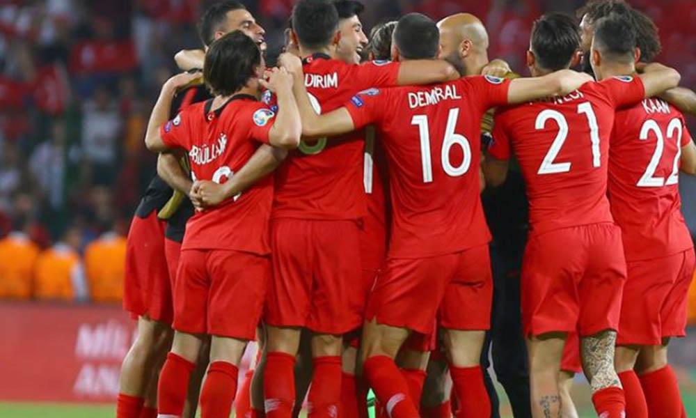 Galatasaray'dan ezeli rakibine yılın transfer çalımı! Milli yıldız aslan oluyor