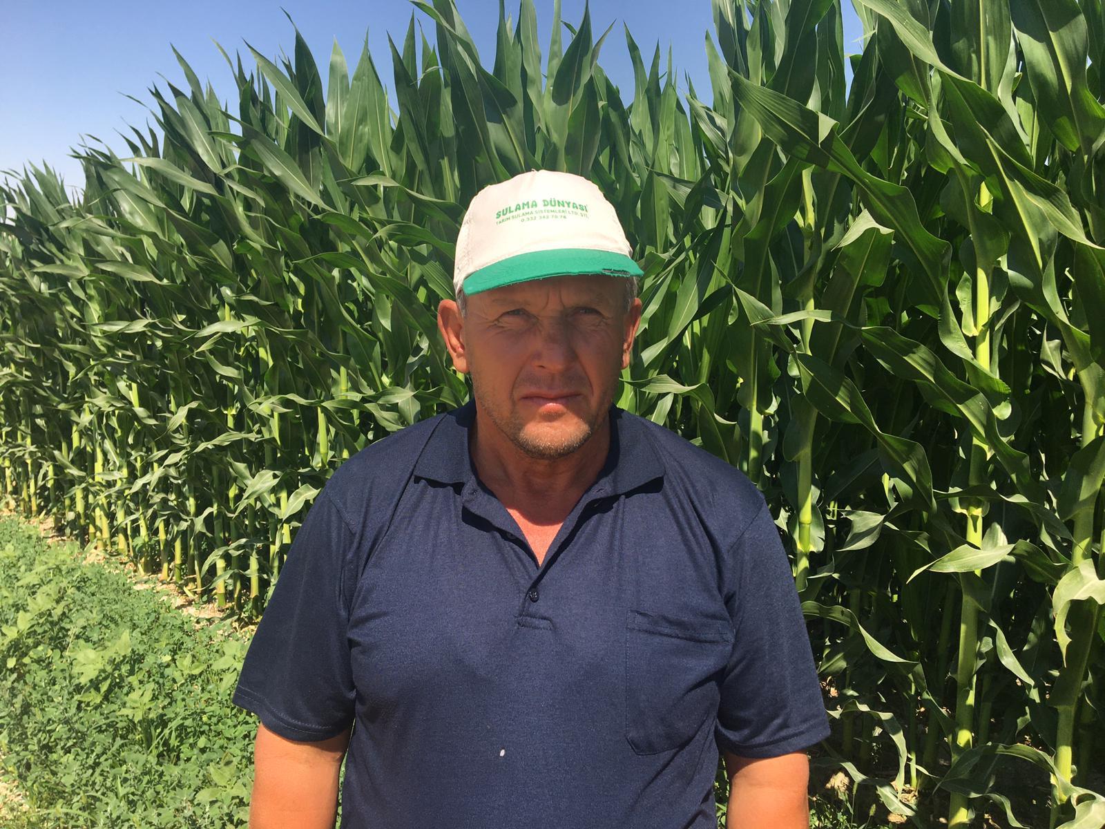 Ekili tarlalarda oluşan obruklar korkuttu