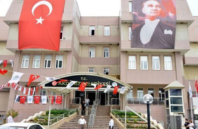 AKP'li Akdeniz Belediye Başkan Yardımcısı görevinden istifa etti