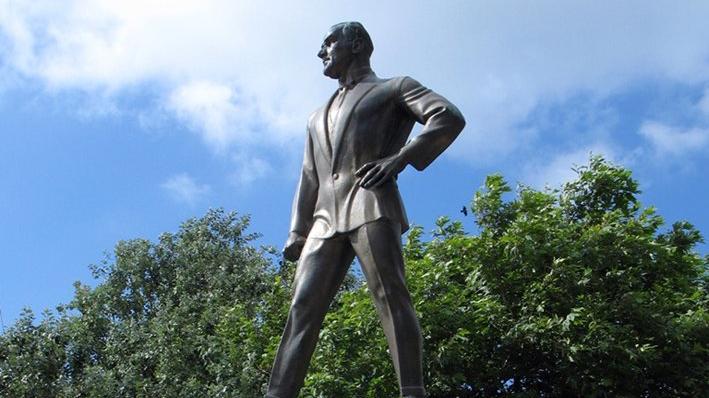 Türkiye'nin ilk Atatürk heykeli için İBB'den karar
