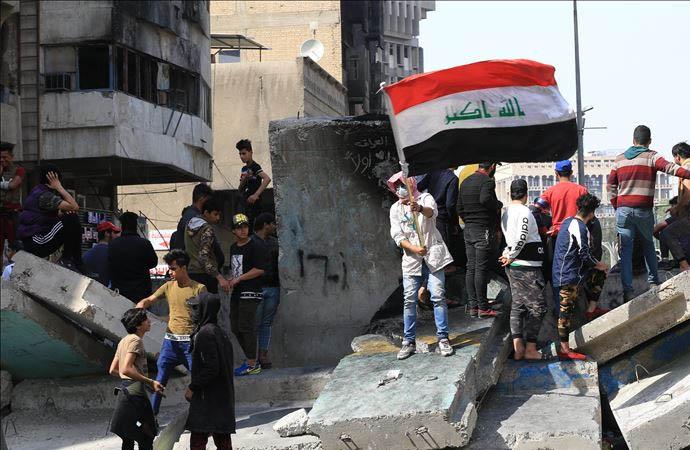 Bağdat'ta hükümet karşıtı eylemler yeniden alevlendi: 2 ölü