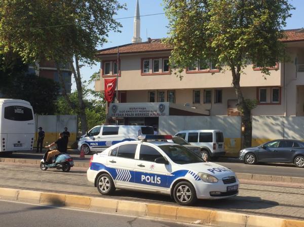 Antalya'da polis merkezi önünde silahlı saldırı: 3 yaralı - Tele1