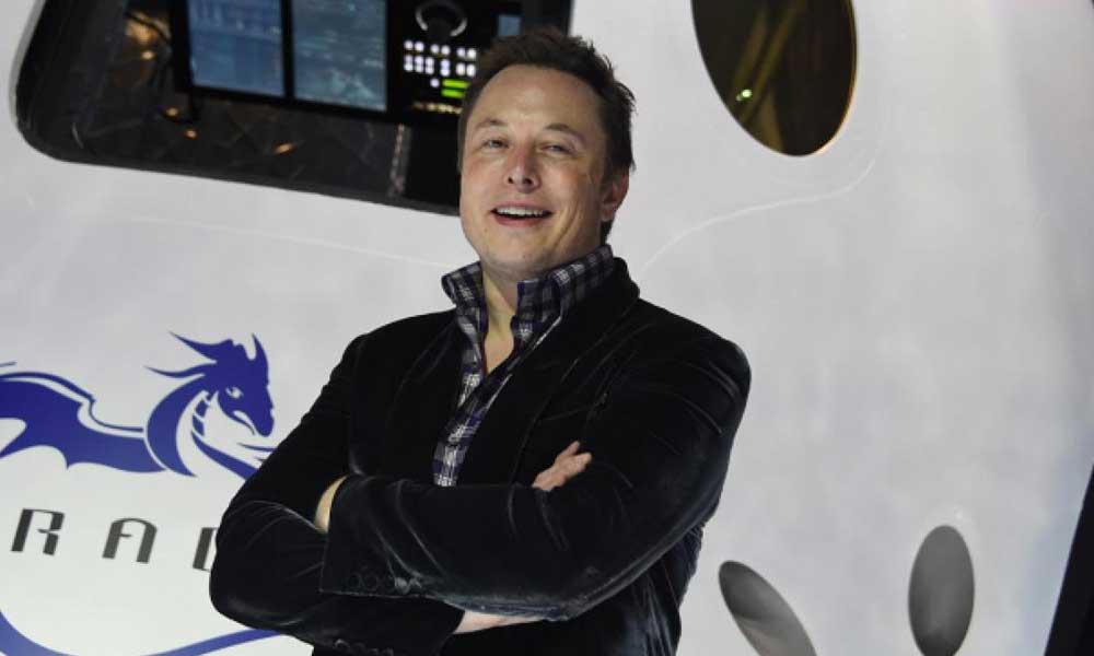 Elon Musk'dan Johnny Depp'e kafes dövüşü teklifi