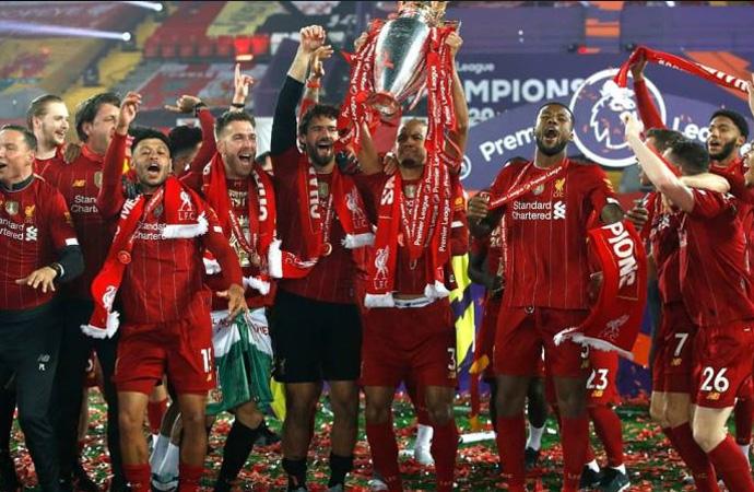 Liverpool'un yıldızı şampiyonluğu kutlarken evi soyuldu!