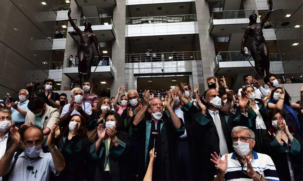 İstanbul Barosu'dan genel kurula katılın çağrısı