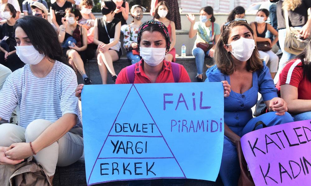 'İstanbul Sözleşmesi' forumu sonrası 8 kadın gözaltına alındı!