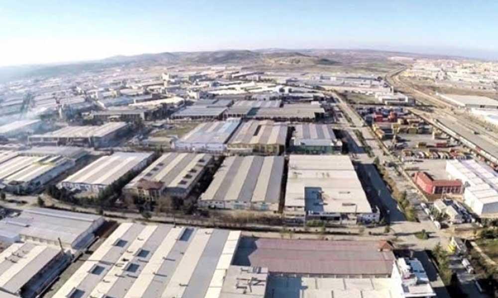 Koronavirüs belirtileri göstermesine rağmen izin talebi reddedilen fabrika işçisi, fabrikada bayıldı