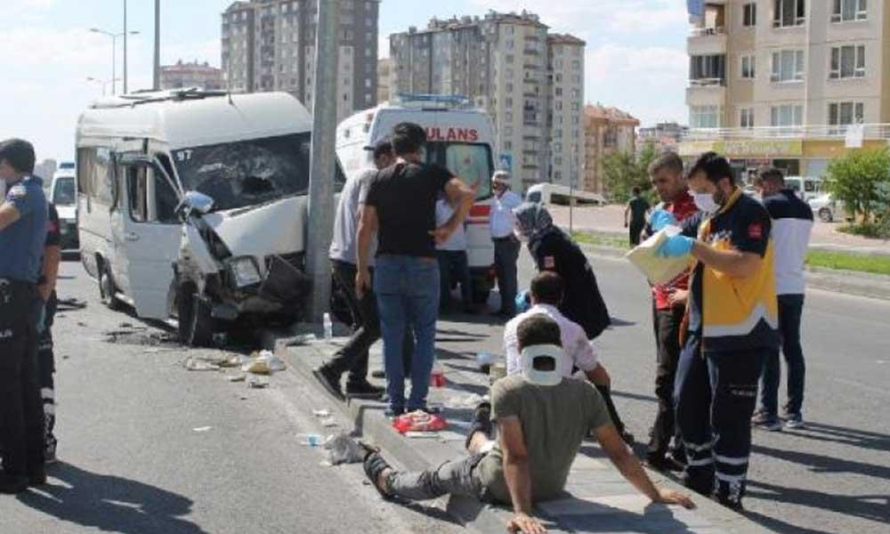 Kayseri'de kamyon, işçi servisine çarptı! Çok sayıda yaralı var