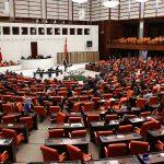 Meclis'te 'parti kapatma' polemiği