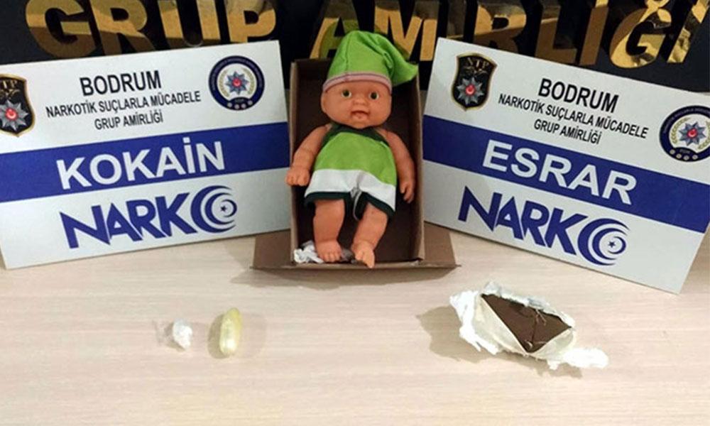 Uyuşturucuyu oyuncak bebeğe sakladılar: 4 gözaltı