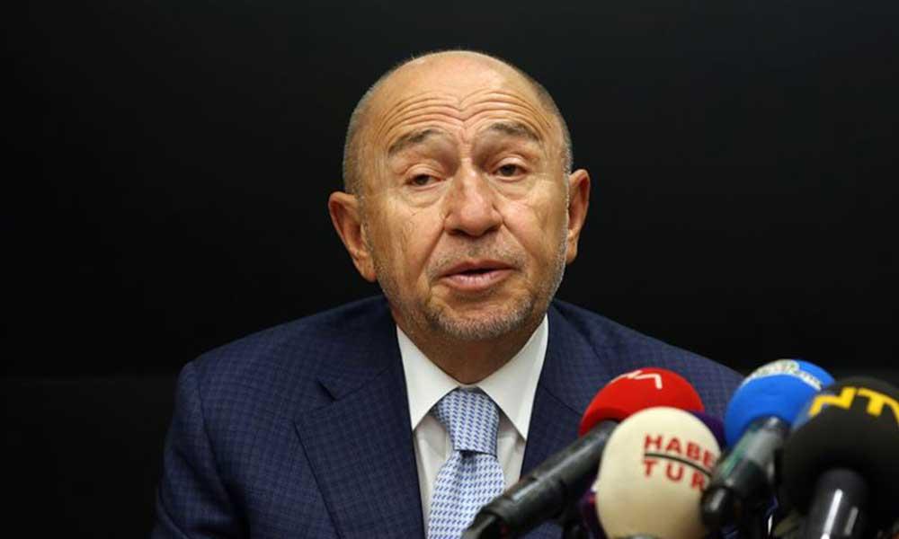 TFF Başkanı Özdemir VIP Cuma namazında: Ağladım