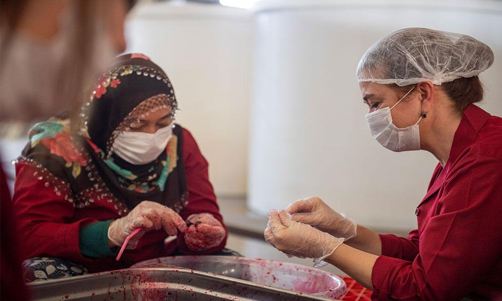 Mersin'den kadın kooperatifi reçel üretiyor