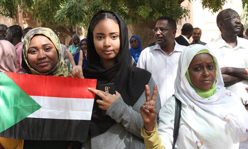 Sudan'da çocuklu kadınlara eşlerinden izin almadan seyahat hakkı