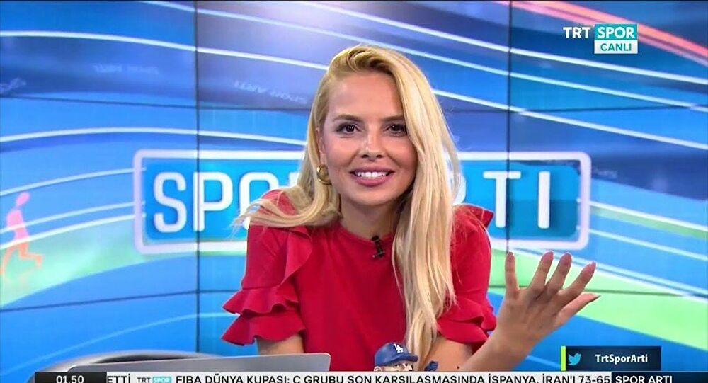 Görevini bıraktığını duyuran TRT Spor spikerinin paylaşımı kafaları karıştırdı