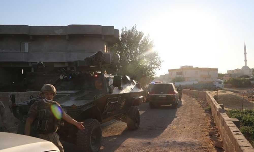 Şanlıurfa'da iki aile arasında silahlı kavga: Taraflara ait evler yakıldı, 2 kişi öldü, 5 yaralı
