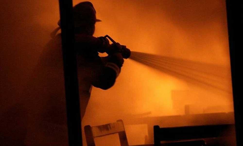 Ankara'da atık kağıt deposunda yangın