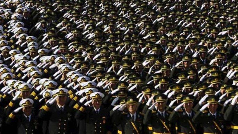 600 albay emekliye sevk edildi