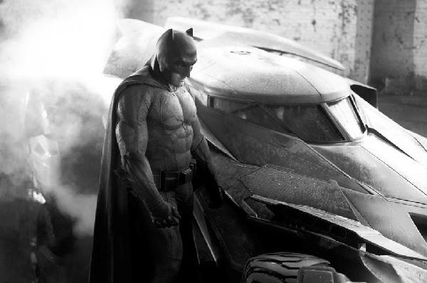 Ben Affleck bir kez daha Batman rolünde!