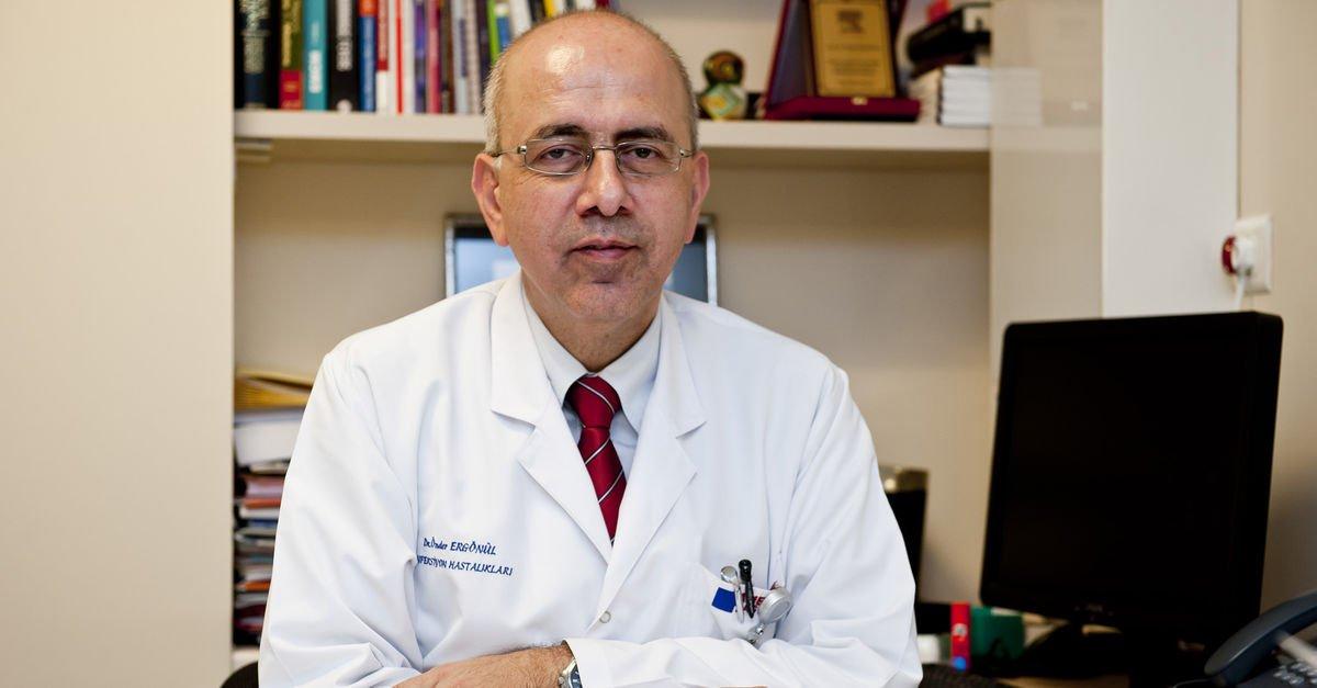 Prof. Dr. Önder Ergönül'den Kovid-19 açıklaması: Bizi kaotik bir tablo bekliyor