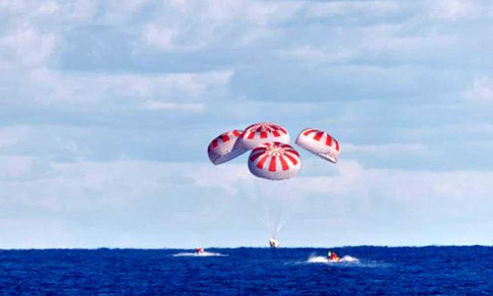 SpaceX'in uzaya gönderdiği NASA astronotları Dünya'ya böyle indi