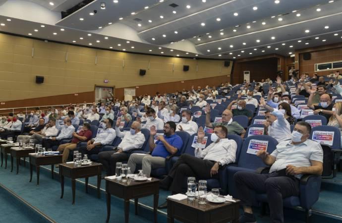 Mersin Büyükşehir Belediyesi, öğrencilere eğitim yardımını 1400 liraya çıkardı