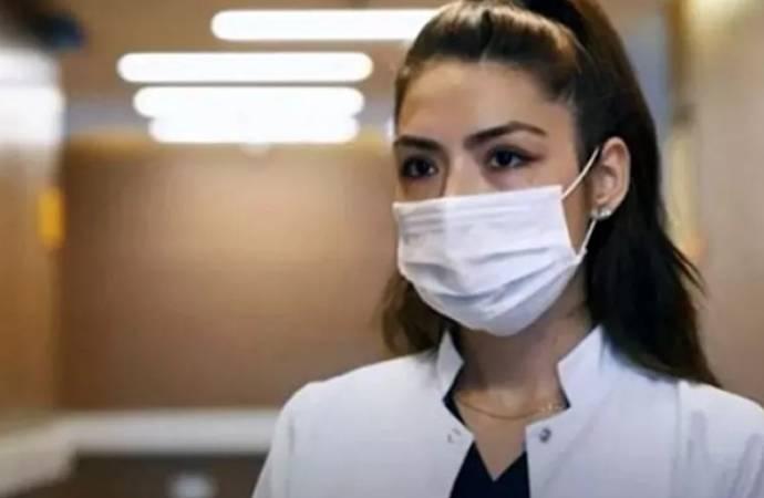 Koronavirüse yakalanan hemşire üç duyu organını kaybetti: 'Yaşamamak gibi bir şey'