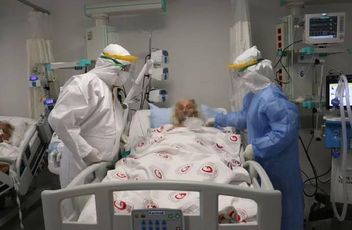 Kovid-19 hastalarının olduğu yoğun bakım görüntülendi: Ne olur beni tekrar uyandırın