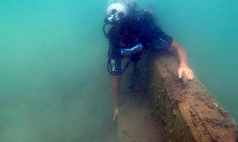 Bodrum'da denize örülen duvara ödül gibi ceza!