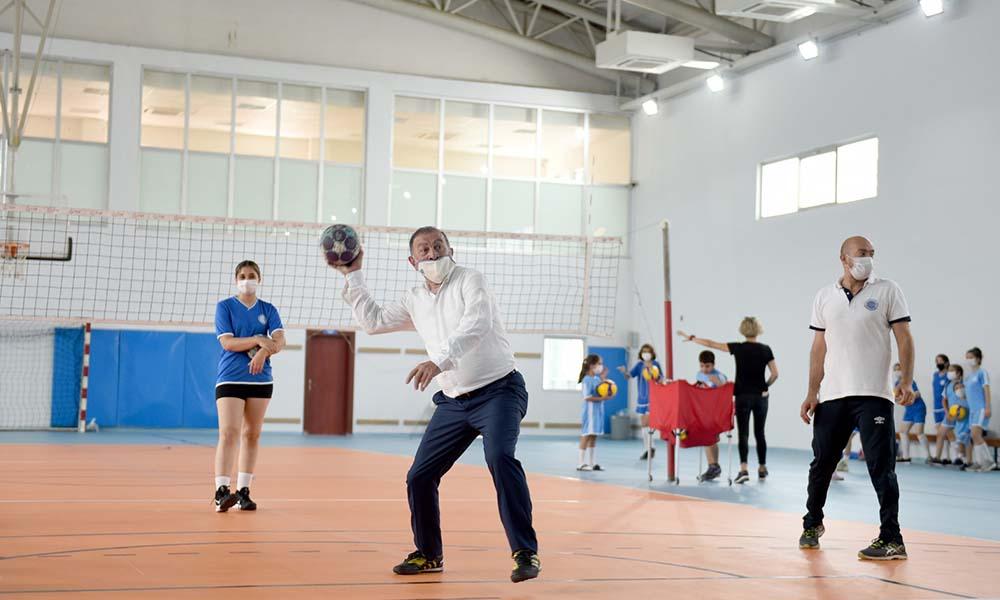 """Başkan Akay,""""Spor kötü alışkanlıkların düşmanıdır"""""""