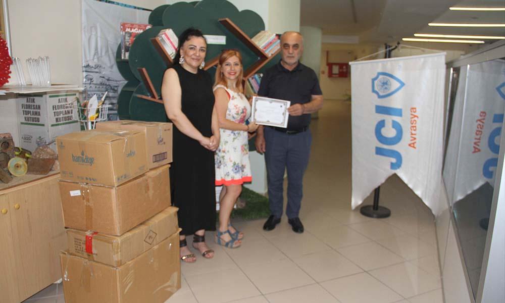 Kartal Belediyesi'ne 500 kitaplık destek