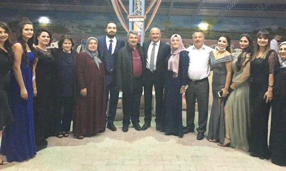 Kuralları hiçe sayıp düğüne katılan AKP'li başkan koronavirüse yakalandı
