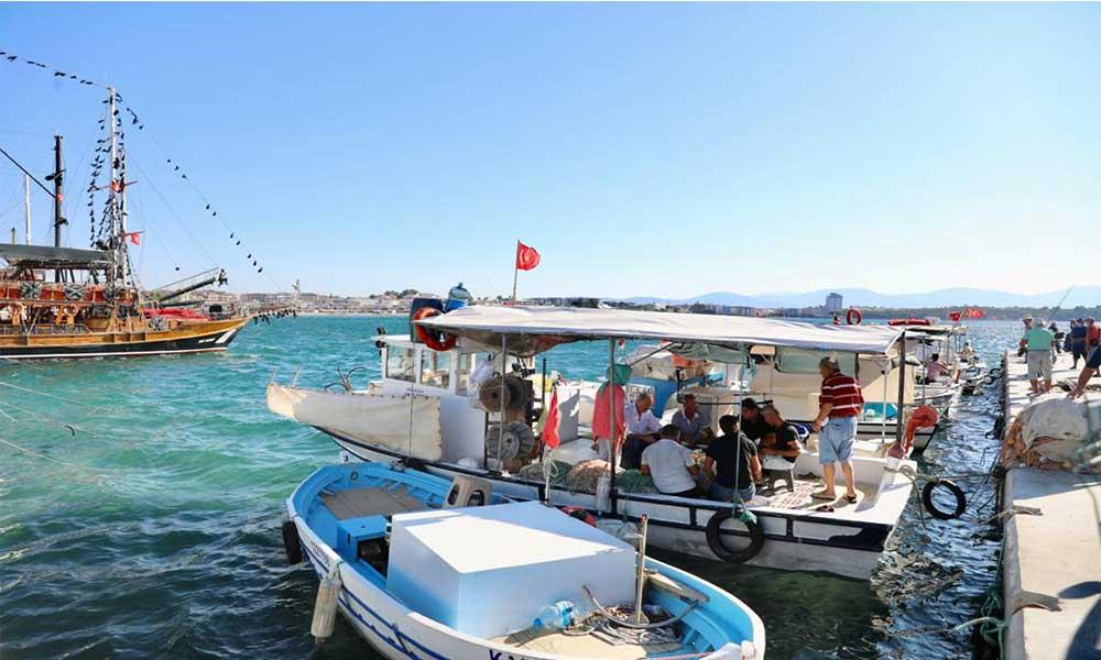 Başkan Atabay balıkçılarla kahvaltıda buluştu
