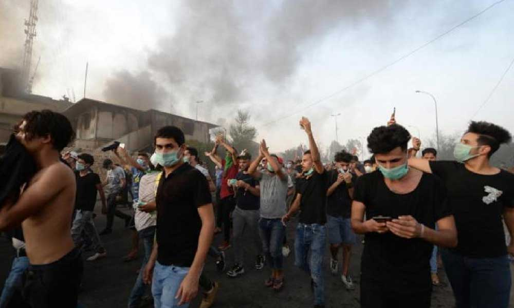 Irak'ta suikast protestosu büyüyor: Parlamento temsilciliği ateşe verildi