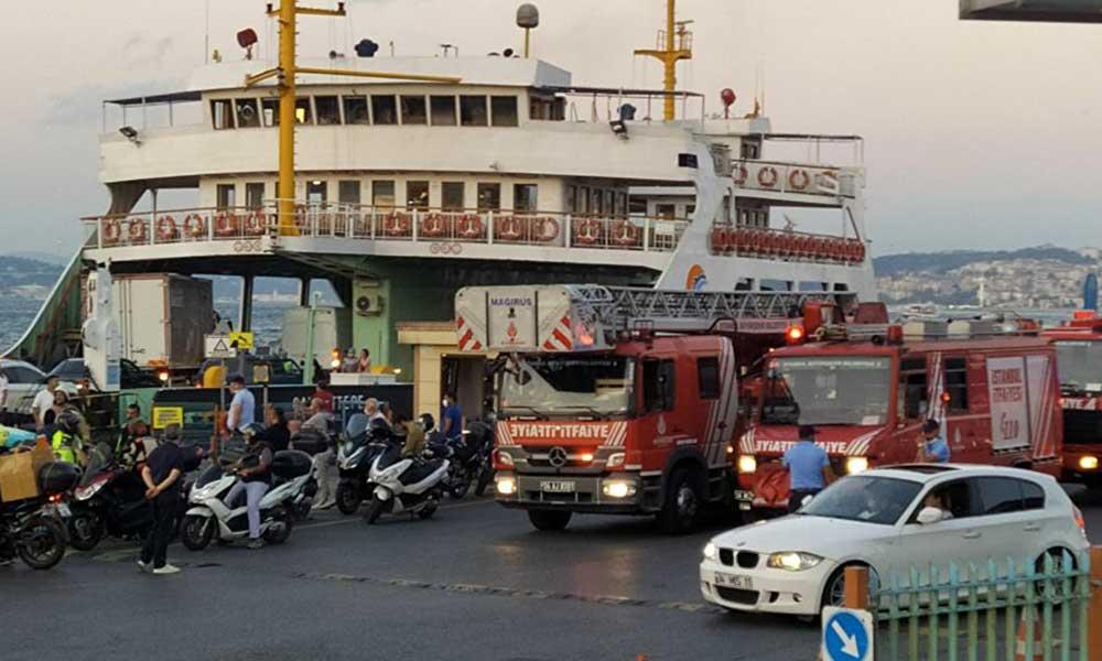 Arabalı vapurda korku dolu anlar: Yolcular tahliye edildi