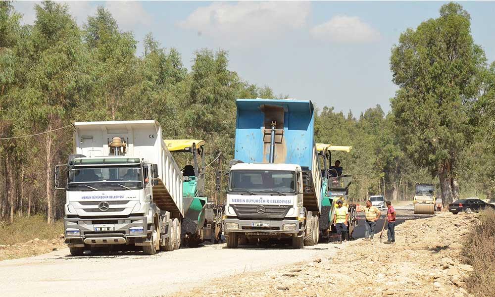 Tarsus'ta iki kilometrelik yolda asfalt çalışması