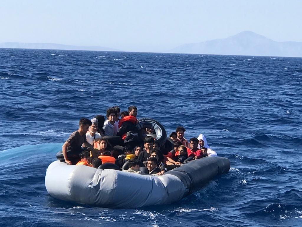 Didim açıklarında 35 kaçak göçmen yakalandı