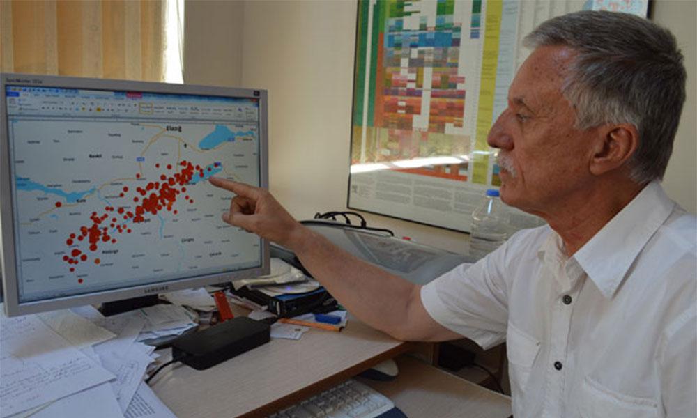 Prof. Dr. Aksoy'dan yaşanan depremlerle ilgili değerlendirmeler